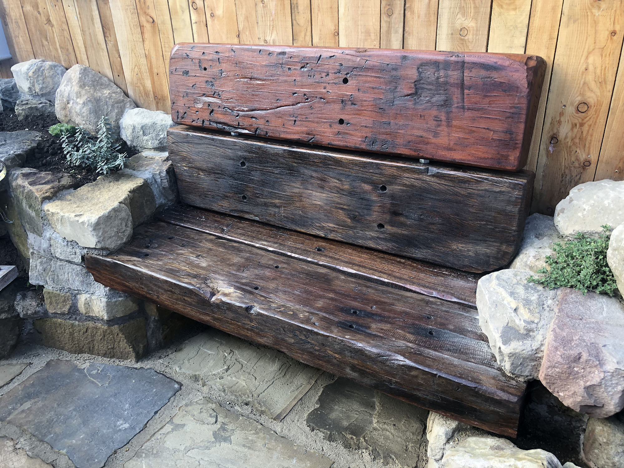 oak sleeper bench